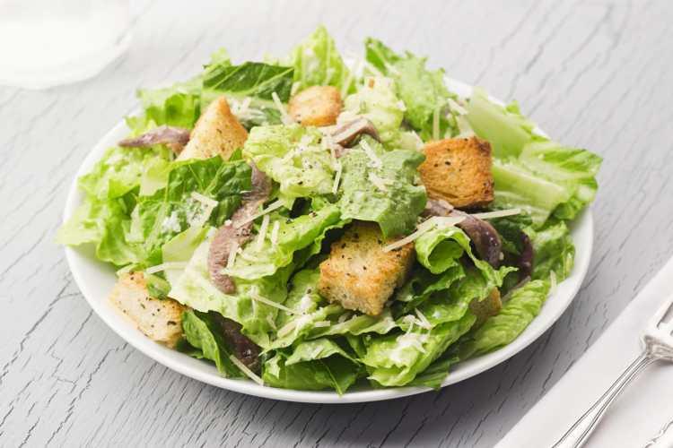 Caesar con anchoas.jpg