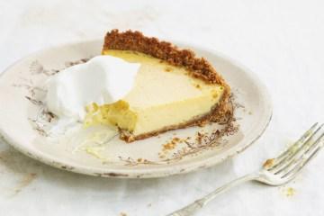 5 ingredientes y 5 pasos para preparar una Tarta de limón 1