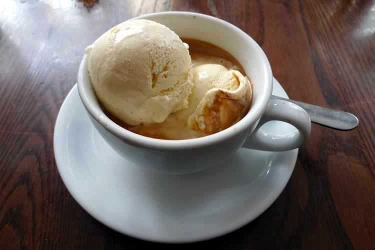 Derrítete de placer con un café affogato 1