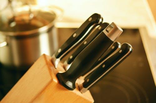 3 cuchillos indispensables en la cocina 1