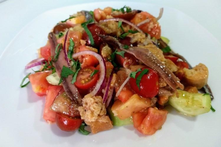 Panzanella (Ensalada de pan y tomate) 1