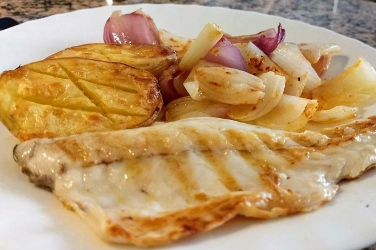 Cómo cocinar filete de lubina a la plancha 1