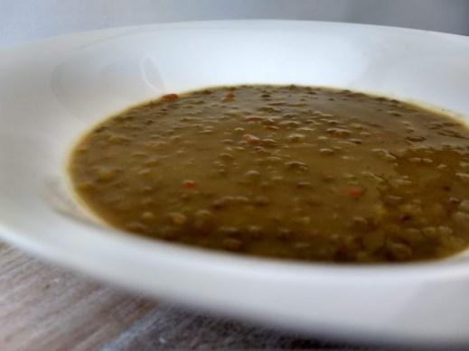 Plato de lentejas con curry