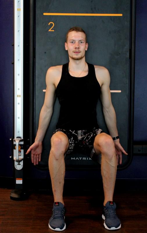 Lukas Marin Chaise
