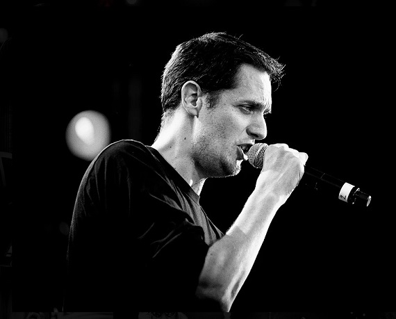 Comment contacter Grand Corps Malade ?