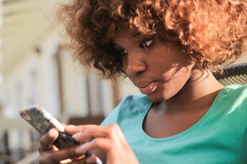 contacter La Poste Mobile pour faire une réclamation