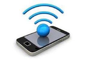 Les clients heureux apprécient la gestion de l'attente via les smartphones
