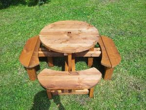 Childrens Excalibur Picnic Table