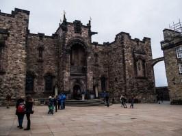 La place principale du château