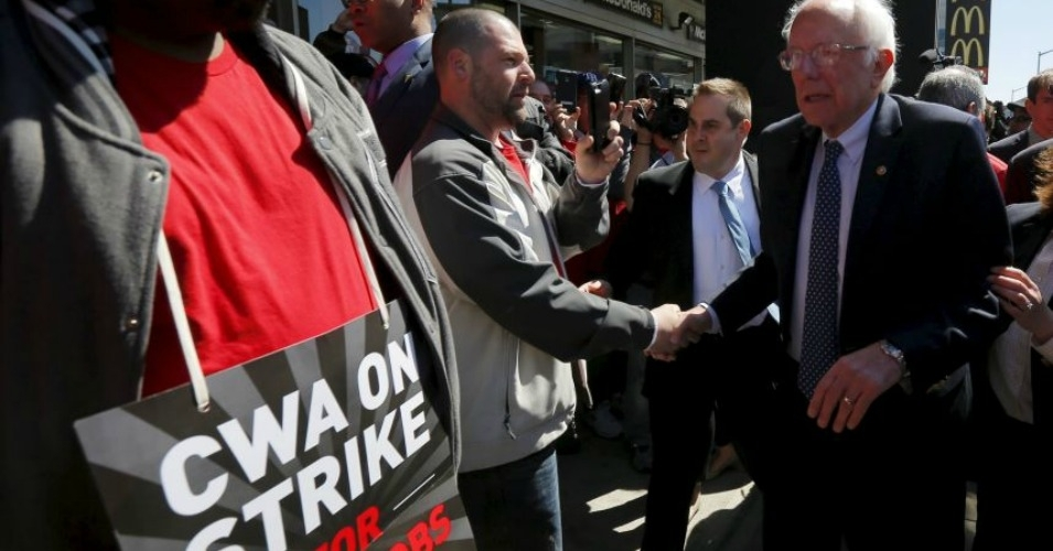 During the Democratic primary, Sen. Bernie Sanders met with and supported striking Verizon workers. (Photo: Reuters)