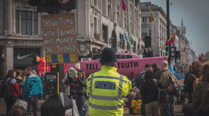 Protests: What powers can the police use?