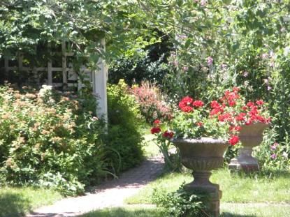 Rocky neck garden