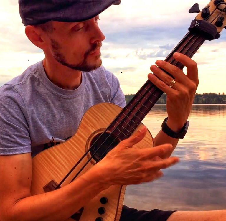 Bass Lessons with Magnus Sjöquist