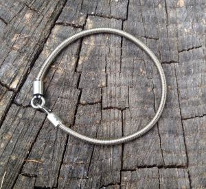 Lady Bass Music Bass String Bracelet