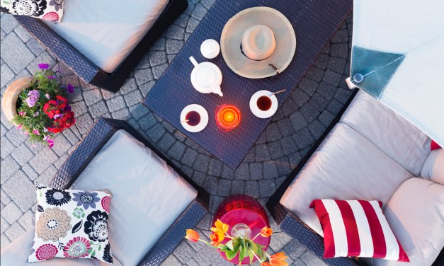 Accessorizing Your Outdoor Living Space