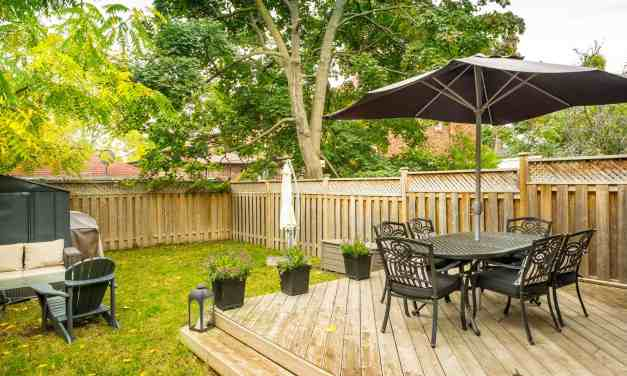 Create a Simple and Perfect Outdoor Living Space