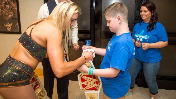 Carter Meets Charlotte And Sasha Banks In Indianapolis Photos WWE Community