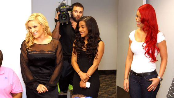 Circle Of Champions Total Divas Stars Meet Kquatracciya Photos WWE Community