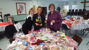 Community Cares Holiday Goodie Trays 2018
