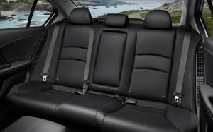 2015-honda-accord-hybrid-sedan-rear-seats