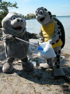 Miami Seaquarium beach cleanup -PR Photo