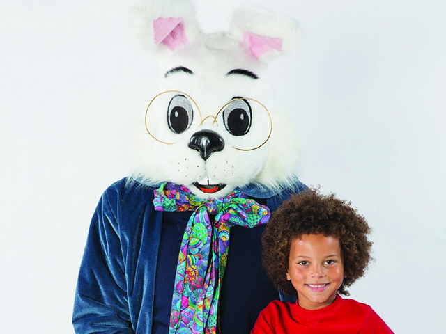 Hop over to Miami International Mall for Easter Bunny Photo Experience