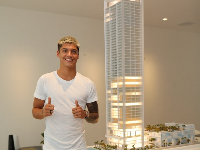 Argentinian Soccer Star purchases condo in Edgewater neighborhood