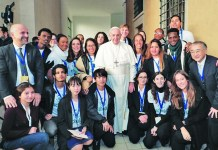 Two CBSHS students meet Pope Francis