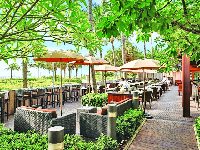 The resort enjoys a superb location, allowing guests easy access to a range of popular attractions. Spend Summer Al Fresco At The Setai Miami Beach Miami S Community News