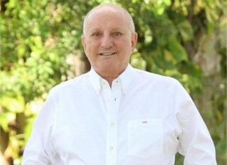 Running for election to City Commission Group II : Jose Valdés-Fauli