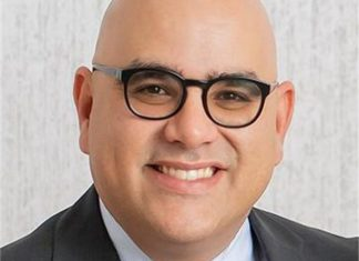 Running for election to City Commission Group III : Javier Baños Machado