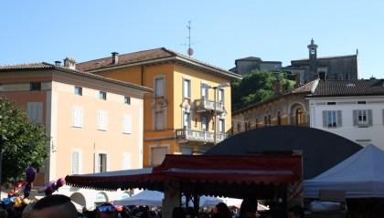 The Location - Piazza del Ponte 2