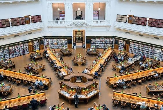 como-dar-la-vuelta-al-mundo-library
