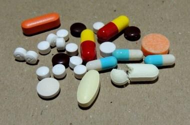 Como descartar medicamentos vencidos corretamente
