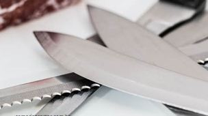 Várias facas juntas, como descartar faca de cozinha
