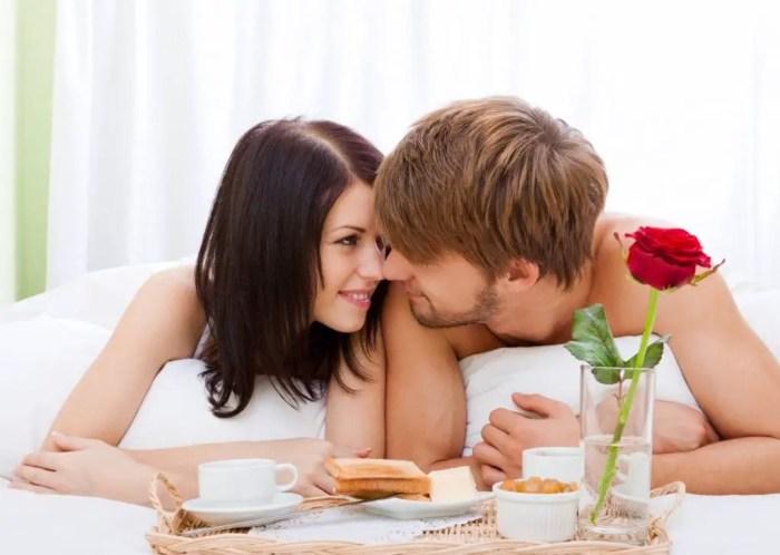El enamoramiento aumenta las feromonas, por eso nos sentimos con mas energia y felicidad