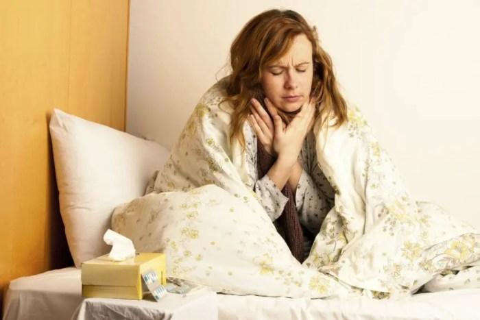 El dolor de garganta puede impedir la ingesta de alimentos