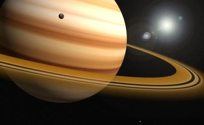Saturno se caracteriza por sus anillos formados a partir de roca e hielo, rodeando el perimetro de su circunferencia