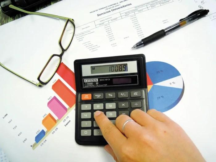 El departamento de compras y ventas se encuentra en contacto directo con el departamento de contabilidad de la empresa