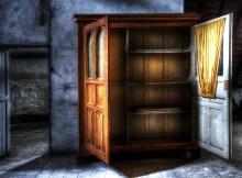 closet-426386_960_720