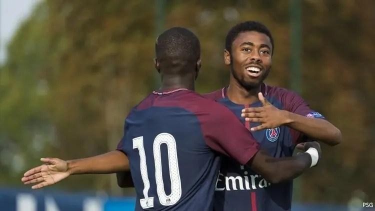 Mzaouiyani, Premier contrat professionnel pour Idriss Mzaouiyani avec le PSG