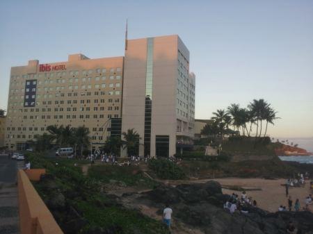 hotel-ibis-salvador-rio-vermelho-bom-e-barato-foto-nathalia-molina-comoviaja