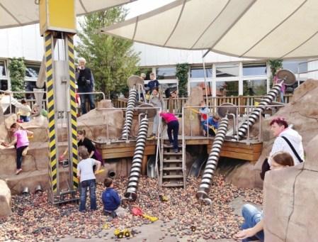 Playmobil FunPark Alemanha Parque Crianca Nuremberg Construção - Foto Nathalia Molina @ComoViaja (2) (640x486)