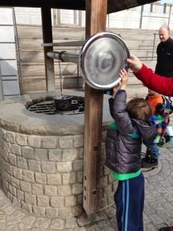 Playmobil FunPark Castelo Poço Parque Alemanha Crianca Nuremberg - Foto Nathalia Molina @ComoViaja (480x640)