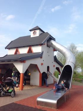 Playmobil FunPark Fazendinha Parque Alemanha Parque Crianca Nuremberg - Foto Nathalia Molina @ComoViaja (1) (765x1024)