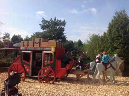 Playmobil FunPark Velho Oeste Parque Alemanha Criancas Nuremberg - Foto Nathalia Molina @ComoViaja (1) (900x672)