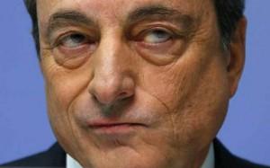 Prezes Draghi w opałach? Niemieccy przedsiębiorcy i pracownicy akademiccy zamierzają sądzić się z Europejskim Bankiem Centralnym.