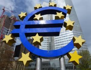 Kurs euro poniżej 1,20 USD. Posiedzenie EBC jużw tym tygodniu