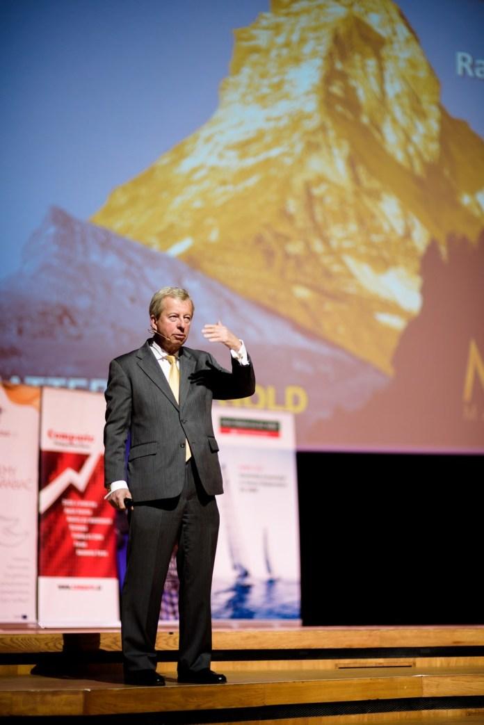Egon von Greyerz podczas swojego wykładu o złocie