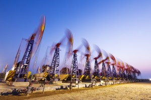Ropa spadła, ale tylko na chwilę. Reakcja na porozumienie OPEC+